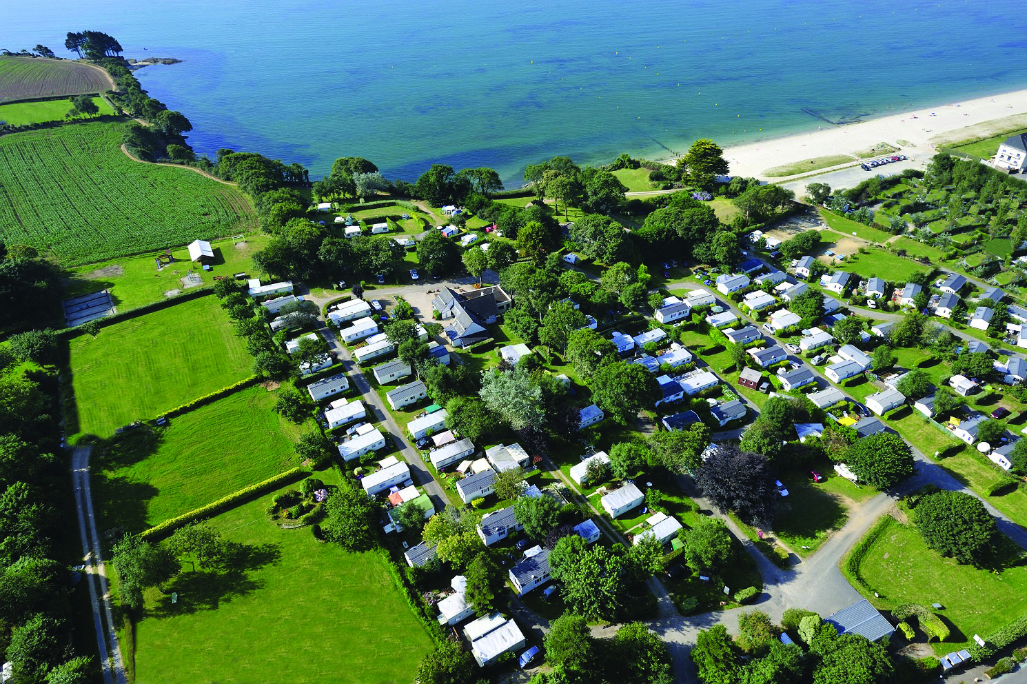 VUE-AERIENNE-CAMPING-ConvertImage